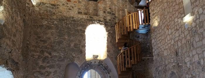 El Castillo de la Piedra Bermeja is one of Lugares favoritos de Jose Mª.