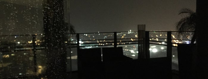 Seda's Roof Deck Bar is one of Bang 님이 저장한 장소.