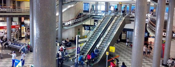 Aeroporto de São Paulo / Congonhas (CGH) is one of Locais salvos de Neusa.