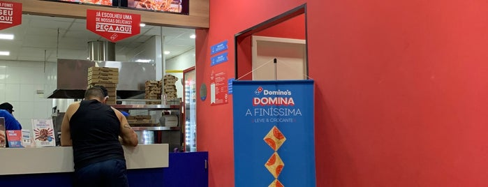 Domino's Pizza is one of Restaurantes.