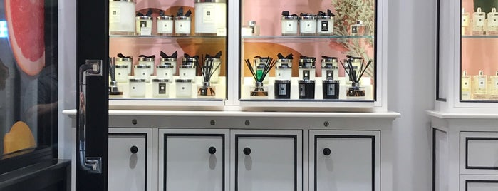 Jo Malone London is one of Tempat yang Disukai Linda.