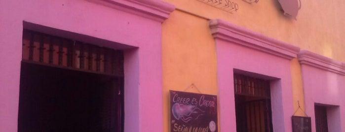 La Tetera coffee shop is one of Restaurantes.