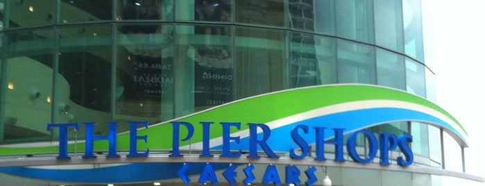 The Pier Shops at Caesars is one of Gespeicherte Orte von PenSieve.