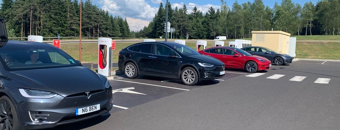 Tesla Supercharger Albaret-Sainte-Marie is one of Superchargeurs Tesla en France.