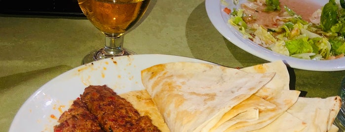 Yıldırımlar Restaurant  ( Tarsus ) is one of Orte, die Mehmet gefallen.