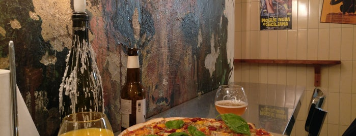 Camorra Pizza&Birra is one of Lieux qui ont plu à Fran.