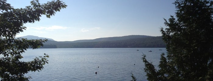 Schroon Lake is one of Nicholasさんのお気に入りスポット.