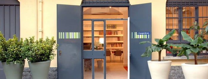 Design Library is one of Scuole/Università & Librerie/Biblioteche.