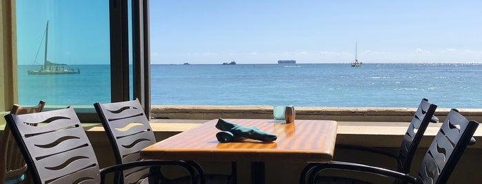 The Reef Bar And Market Grill is one of Tempat yang Disukai yasyajin_pass.