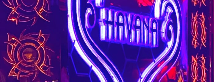 Havana Night Club is one of Orte, die B gefallen.