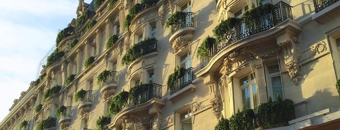 Hôtel Plaza Athénée is one of Paris.