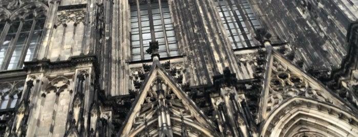 Glockenstuhl Kölner Dom is one of Orte, die Jerome gefallen.
