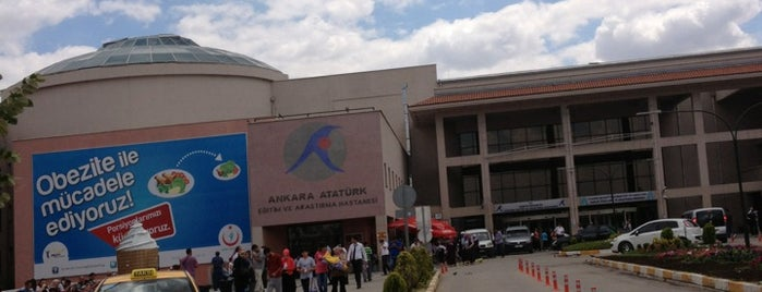Atatürk Eğitim ve Araştırma Hastanesi is one of Lieux sauvegardés par Yasemin Arzu.