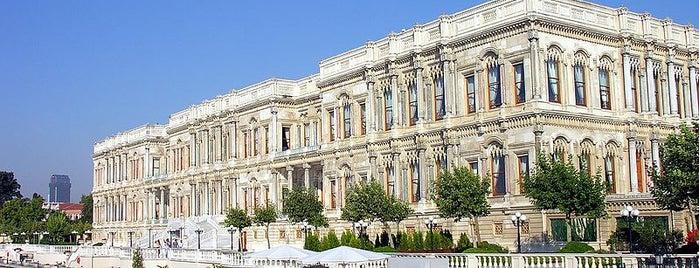 Çırağan Palace Kempinski Istanbul is one of İstanbul'un Gezilmesi Görülmesi Gereken Yerleri.