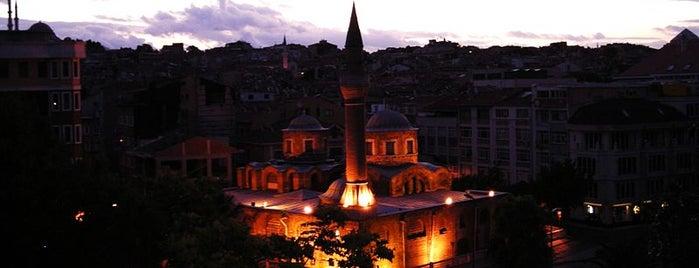 Molla Fenari İsa Camii is one of İstanbul'un Gezilmesi Görülmesi Gereken Yerleri.
