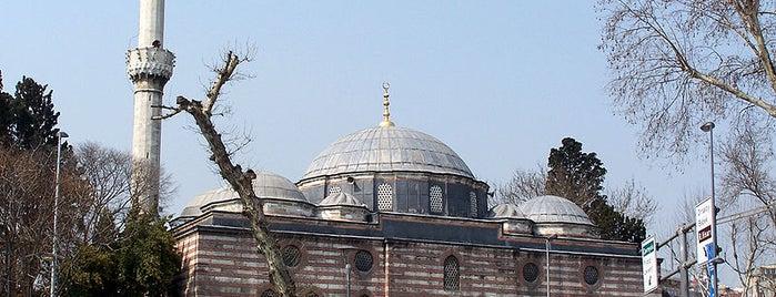 Sinanpaşa Camii is one of İstanbul'un Gezilmesi Görülmesi Gereken Yerleri.