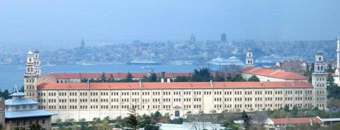 Selimiye Kışlası is one of İstanbul'un Gezilmesi Görülmesi Gereken Yerleri.