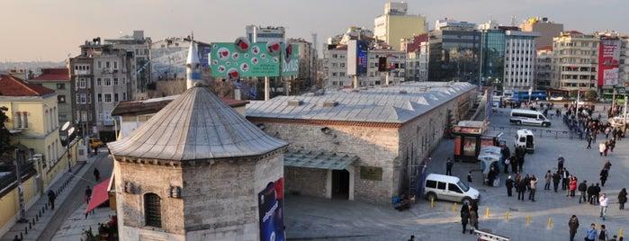 Tarihi Taksim Maksemi is one of İstanbul'un Gezilmesi Görülmesi Gereken Yerleri.