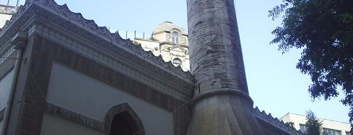 Hüseyin Ağa Camii is one of İstanbul'un Gezilmesi Görülmesi Gereken Yerleri.