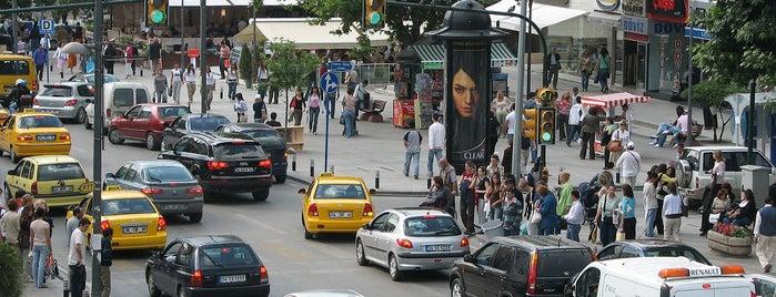 Bağdat Caddesi is one of İstanbul'un Gezilmesi Görülmesi Gereken Yerleri.