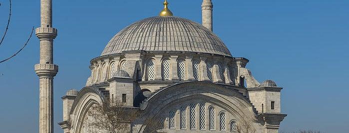 Nuruosmaniye-Moschee is one of İstanbul'un Gezilmesi Görülmesi Gereken Yerleri.