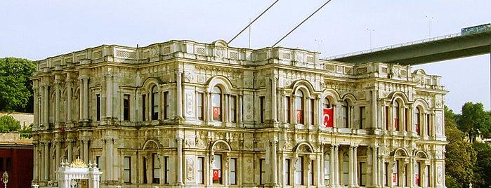 Beylerbeyi Sarayı is one of İstanbul'un Gezilmesi Görülmesi Gereken Yerleri.