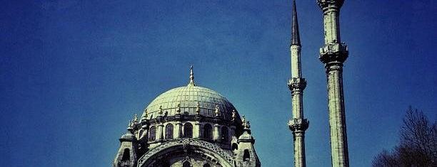 Nusretiye Camii is one of İstanbul'un Gezilmesi Görülmesi Gereken Yerleri.