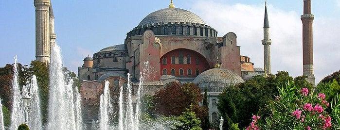 Hagia Sophia is one of İstanbul'un Gezilmesi Görülmesi Gereken Yerleri.