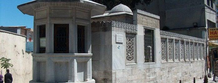 Mimar Sinan Türbesi is one of İstanbul'un Gezilmesi Görülmesi Gereken Yerleri.