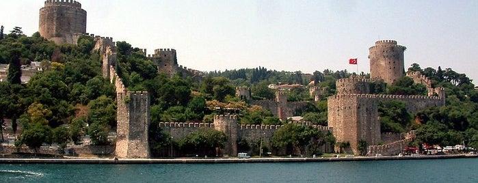 Rumeli Hisarı is one of İstanbul'un Gezilmesi Görülmesi Gereken Yerleri.