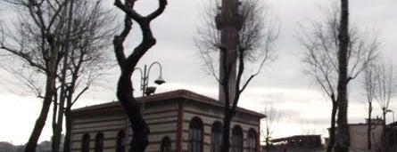 Yusuf Şücaeddin Anbari Camii is one of İstanbul'un Gezilmesi Görülmesi Gereken Yerleri.