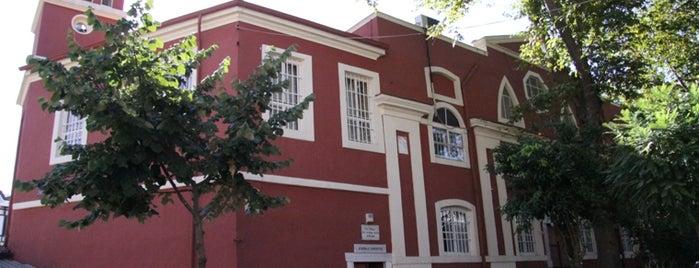 Aya Nikola Rum Orthodoks Kilisesi is one of İstanbul'un Gezilmesi Görülmesi Gereken Yerleri.