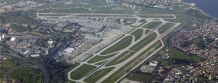 Flughafen Istanbul-Atatürk (ISL) is one of İstanbul'un Gezilmesi Görülmesi Gereken Yerleri.