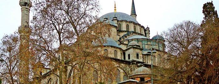 Fatih-Moschee is one of İstanbul'un Gezilmesi Görülmesi Gereken Yerleri.