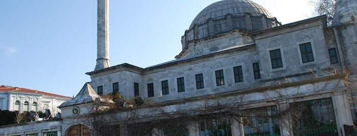 Beylerbeyi Hamid-i Evvel Camii is one of İstanbul'un Gezilmesi Görülmesi Gereken Yerleri.