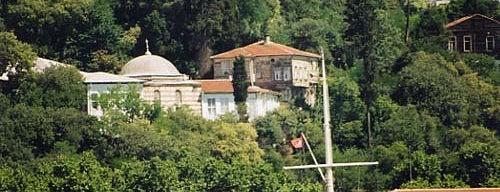 Yahya Efendi Türbesi is one of İstanbul'un Gezilmesi Görülmesi Gereken Yerleri.