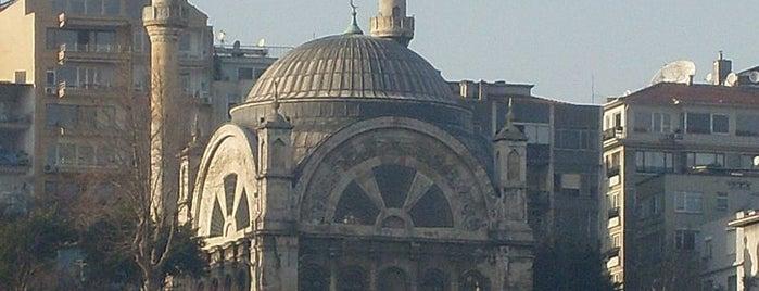 Cihangir Camii is one of İstanbul'un Gezilmesi Görülmesi Gereken Yerleri.