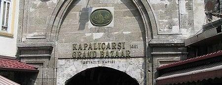 Großer Basar is one of İstanbul'un Gezilmesi Görülmesi Gereken Yerleri.