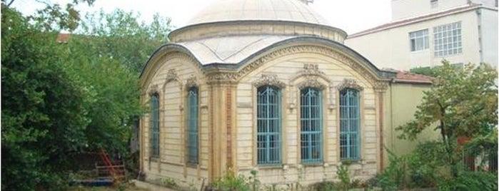 Cevri Kalfa Camii is one of İstanbul'un Gezilmesi Görülmesi Gereken Yerleri.