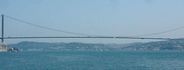 Bosporus-Brücke is one of İstanbul'un Gezilmesi Görülmesi Gereken Yerleri.