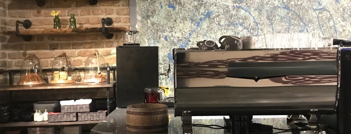 کافه باهم | Baham Cafe is one of Nazaninさんの保存済みスポット.