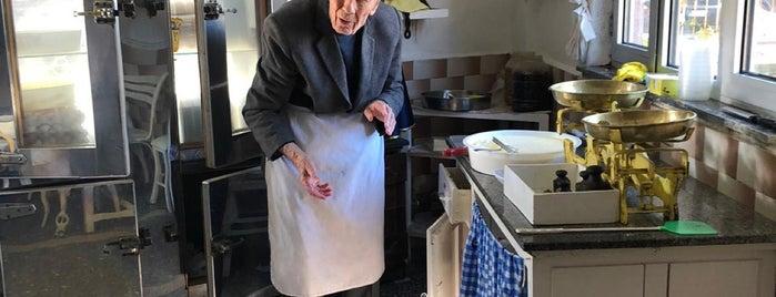 Yenigün Kahvaltı Salonu Eşref Amca'nın Yeri is one of Mutlaka gidilecek.