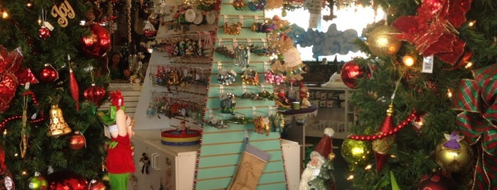 K Kringles Christmas & Holiday Shoppe is one of vacation.