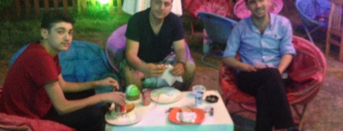 Hayal Cafe is one of Balıkesir ✈️.