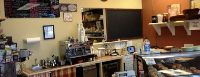 C'est la Vie Bakery is one of Tempat yang Disukai Sandy.