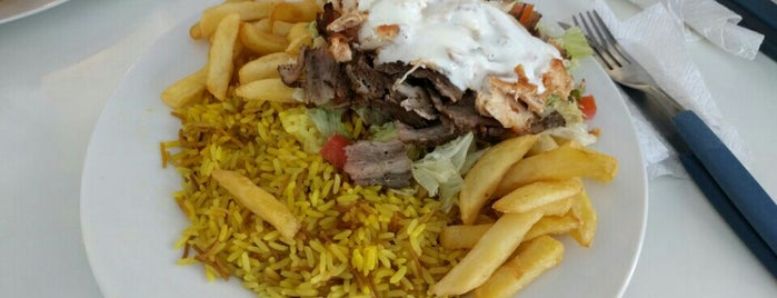 Shawerma Ahlen is one of Locais curtidos por Tania.