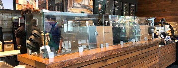 Starbucks is one of Tempat yang Disukai Melanie.