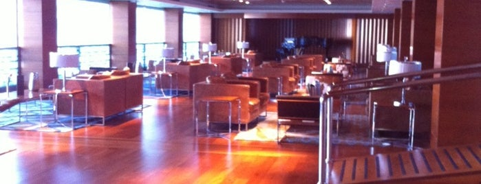PianoForte Bar @ Hilton Dalaman is one of Locais curtidos por Valeria.