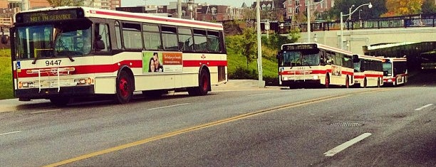 TTC Bus #29 Dufferin is one of Andreeさんの保存済みスポット.