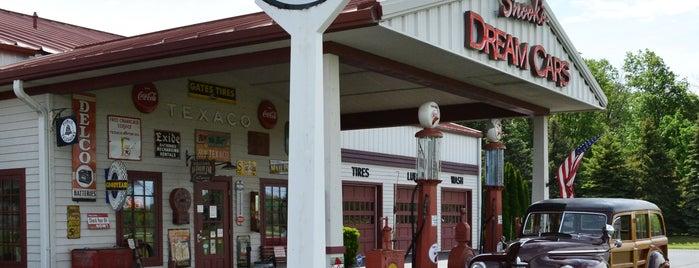 Bowling Green Convention & Visitors Bureau is one of Lugares favoritos de Jody.